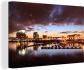 Stormachtige hemel bij de haven van Cardiff in Wales Canvas 60x40 cm - Foto print op Canvas schilderij (Wanddecoratie woonkamer / slaapkamer) / Europese steden Canvas Schilderijen