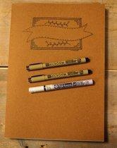 Oefenblok handlettering papier wit/recyling bruin en zwart in zowel papier als karton op A4 formaat + 3 handlettering pennen.