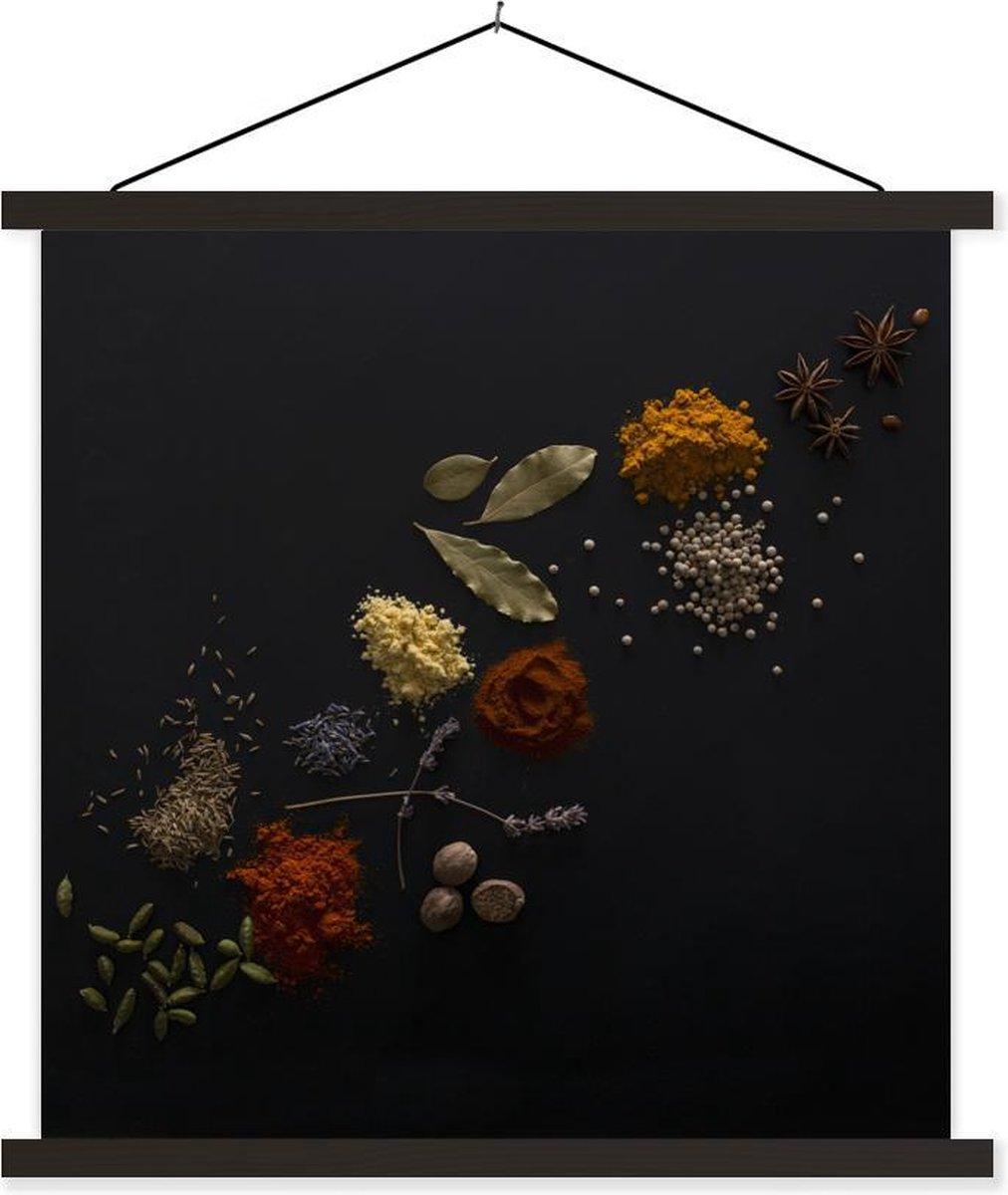 Verschillende kruiden tegen zwarte achtergrond textielposter latten zwart 60x60 cm - Foto print op schoolplaat (wanddecoratie woonkamer/slaapkamer)