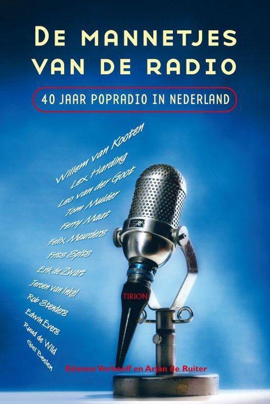 Cover van het boek 'De mannetjes van de radio' van A. Ruiter en Etienne Verhoeff