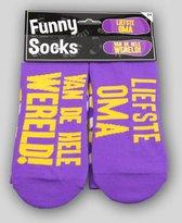 Sokken - Funny socks - Liefste Oma van de wereld! - In cadeauverpakking met gekleurd lint
