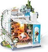 Robotime modelbouwpakket Dora's Loft hout/papier/kunststof - 230mm hoog x 210mm breed x 160mm diep - met lampje