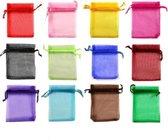 Kleine gekleurde organza zakjes - cadeautjes voor kinderen - feestartikelen ideaal em cadeau te geven (12 stuks)