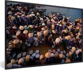 Foto in lijst - Vismarkt bij Hoi An in Vietnam fotolijst zwart 60x40 cm - Poster in lijst (Wanddecoratie woonkamer / slaapkamer)