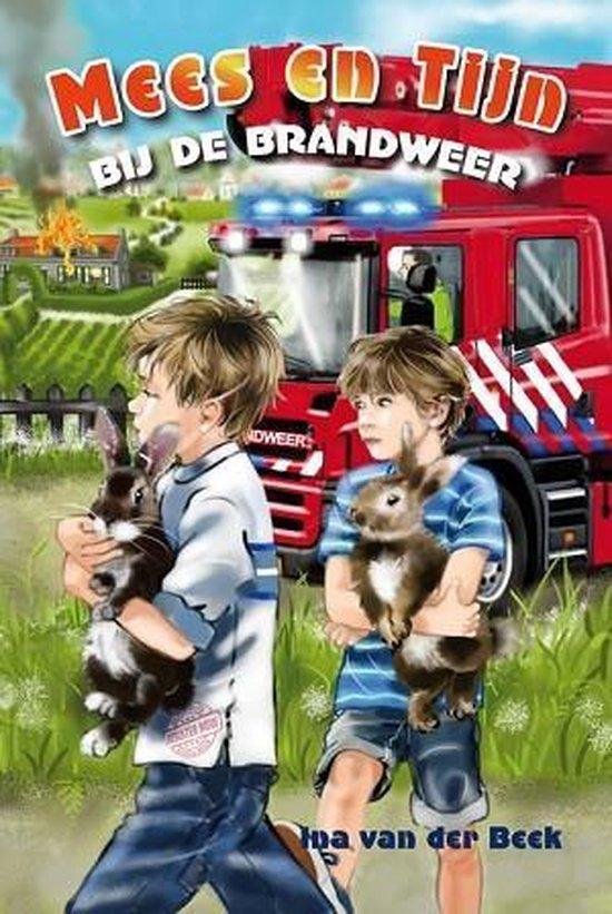Mees en tijn bij de brandweer