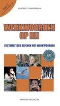 Boek cover Werkwoorden op rij 1 Tegenwoordige tijd van Margreet Kwakernaak (Paperback)