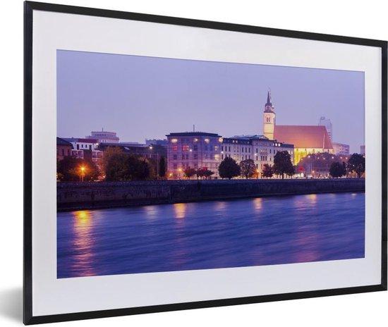 Foto in lijst - Paarse tinten in de Duitse stad Maagdenburg fotolijst zwart met witte passe-partout 60x40 cm - Poster in lijst (Wanddecoratie woonkamer / slaapkamer)