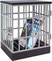 Buiten bereik leggen van Telefoon, Mobiele telefoon gevangenis met slotje en sleutels. plaats voor 6 telefoons