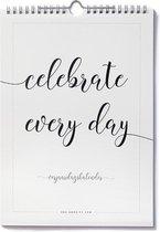 Verjaardagskalender geen datum zwart wit minimalistisch met inspirerende quotes