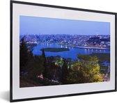 Foto in lijst - Schitterend blauw water voor Istanbul fotolijst zwart met witte passe-partout klein 40x30 cm - Poster in lijst (Wanddecoratie woonkamer / slaapkamer)