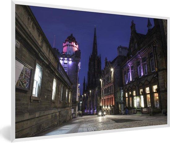 Foto in lijst - De Royal Mile in de binnenstad van Edinburgh fotolijst wit 60x40 cm - Poster in lijst (Wanddecoratie woonkamer / slaapkamer)