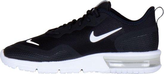 Nike Air Max Sequent 4.5 Sneakers Maat 38 Vrouwen zwartwit