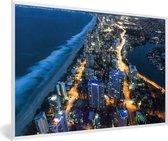 Foto in lijst - Nachtfoto van Gold Coast in Australië fotolijst wit 60x40 cm - Poster in lijst (Wanddecoratie woonkamer / slaapkamer)