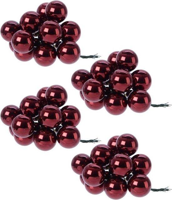 40x Mini glazen kerstballen kerststekers/instekertjes donkerrood 2 cm - Donkerrode kerststukjes kerstversieringen glas