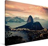Luchtfoto Suikerbroodberg in Brazilië Canvas 180x120 cm - Foto print op Canvas schilderij (Wanddecoratie woonkamer / slaapkamer) XXL / Groot formaat!
