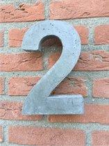 Grote betonnen huisnummer, Hoogte 25cm, huisnummer beton cijfer 2