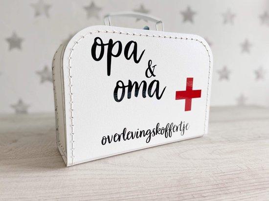 Kinder koffertje | opa & oma overlevingskoffertje | logeerkoffer | kraamcadeau | baby | wit | kinderkoffer