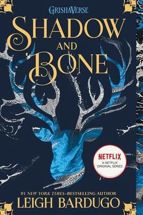 Boek cover Shadow and Bone van Leigh Bardugo (Paperback)