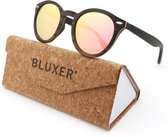 Bluxer® Zonnebril voor Heren en Dames Polaroid - Hippe Houten Zonnebril Gepolariseerd - UV400 Lens - Ebony Wood Gelamineerd - Roze Lens