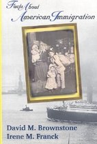 Boek cover Facts About American Immigration van David M. Brownstone