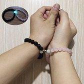Trendy Afstand Armband Magneten  Natuursteen cadeau Koppelarmband  Roze Kraal / Zwart lavasteen  Cadeau voor Hem en Haar   Liefde Magneet  Stoer Armband