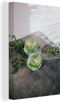 Koud verfrissend glas gin tonic Canvas 40x60 cm - Foto print op Canvas schilderij (Wanddecoratie woonkamer / slaapkamer)