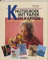 Knutselboek met papier en karton