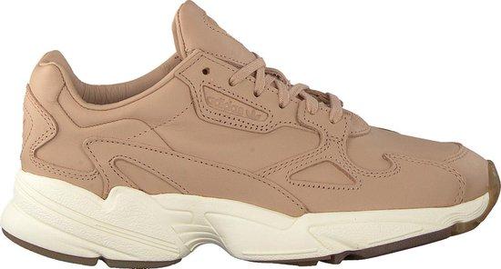 bol.com | Adidas Dames Sneakers Falcon W - Beige - Maat 39⅓