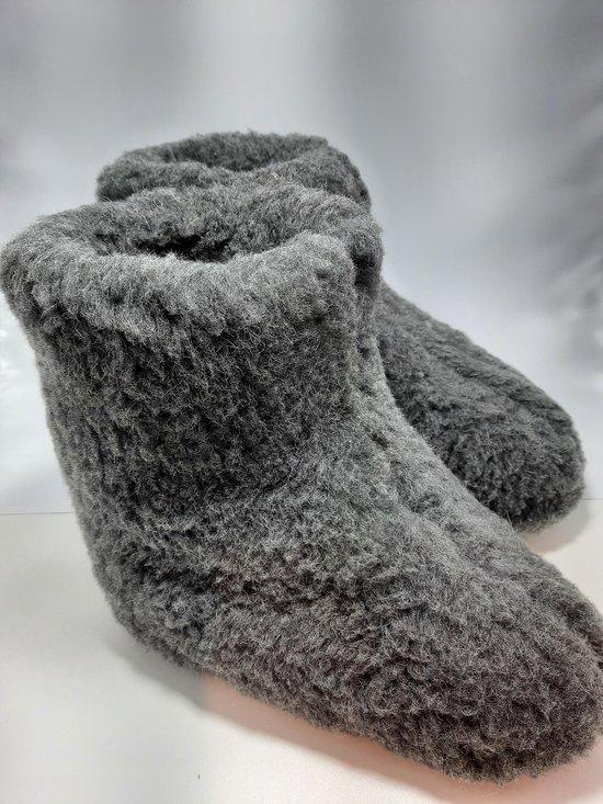 Schapenwollen sloffen grijs maat 43 100% natuurproduct comfortabele nieuwe luxe sloffen direct leverbaar handgemaakt