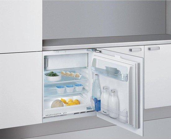 Koelkast: Whirlpool ARG590/A+ - inbouw combi-koelkast - 60cm - Wit - 126 L - A+, van het merk Whirlpool