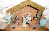 Kerststal hout met 9 beeldjes 014
