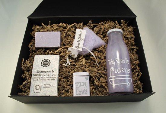 Verjaardag cadeau vrouw, Giftbox Lavendel, geschenkset voor vrouwen, cadeau voor vrouw, giftset, badschuim, badzout, shampoo bar