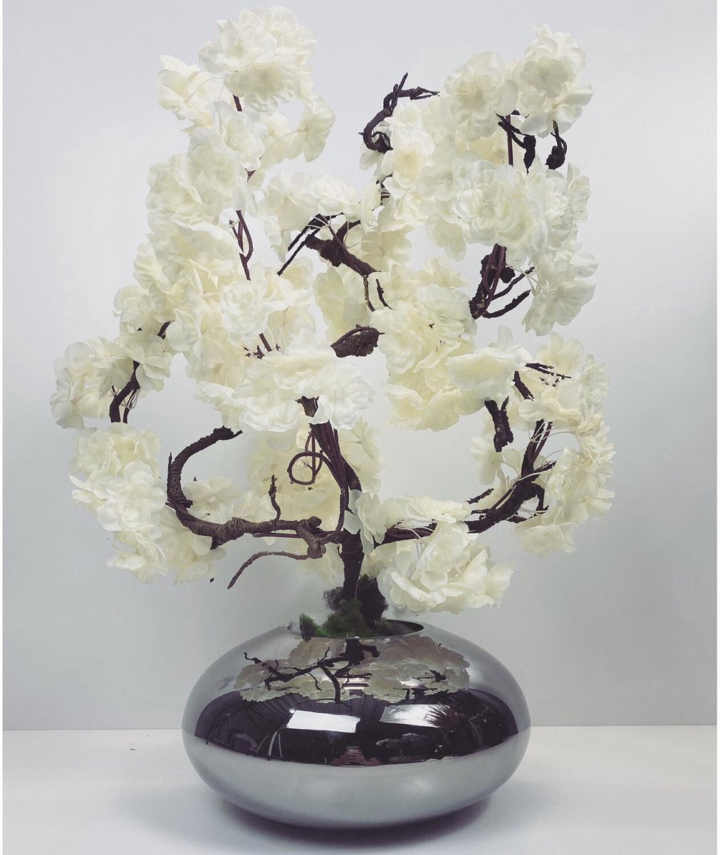 Ovale vaas inclusief bloesem boompje  zilver- wit  (70cm)