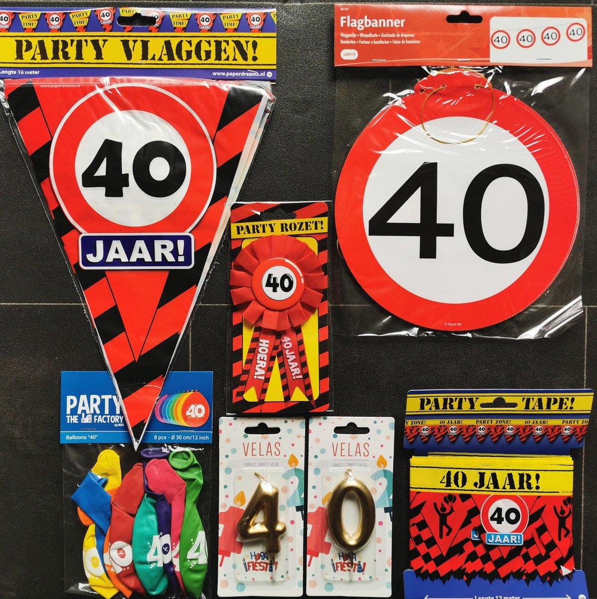 40 jaar- Man-Vrouw - Verjaardag Versiering - Ballonnen - Afzetlint - Vlaggenlijn - Taarttopper - Rozet - Feestpakket