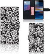 Sony Xperia 10 Plus Hoesje Black Flowers