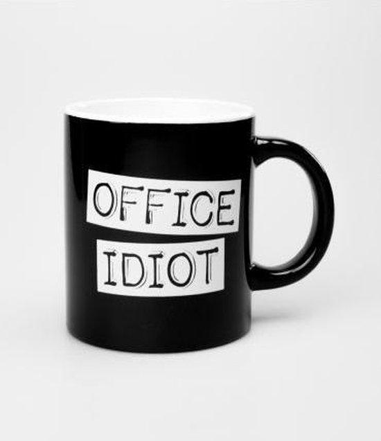 Mok - Zwart wit - Office Idiot - Gevuld met droplullen - In cadeauverpakking met gekleurd lint