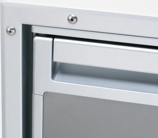 Koelkast: Waeco  Flush-mount frame voor Coolmatic CRD-50 RVS, van het merk Waeco