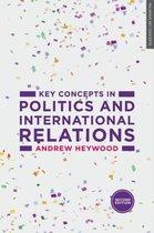 Boek cover Key Concepts in Politics and International Relations van Andrew Heywood (Paperback)