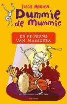 Omslag Dummie de Mummie 7 - Dummie de mummie en de drums van Massoeba