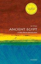 Boek cover Ancient Egypt: A Very Short Introduction van Ian Shaw (Onbekend)