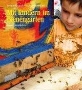 Mit Kindern im Bienengarten