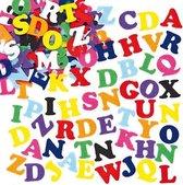 Voordeelpakket zelfklevende vilten letters - stickers voor kinderen en volwassen voor scrapbooking wenskarten knutselwerkjes en decoratie maken (550 stuks)