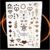 Plak Tattoos - Kleurrijke Metallic Tattoo - Body Choker - Tijdelijke Tatoeage - Festival Tatoes - Zomer feest tatoeage's - Tattoo - 1 vel Gouden Hartjes