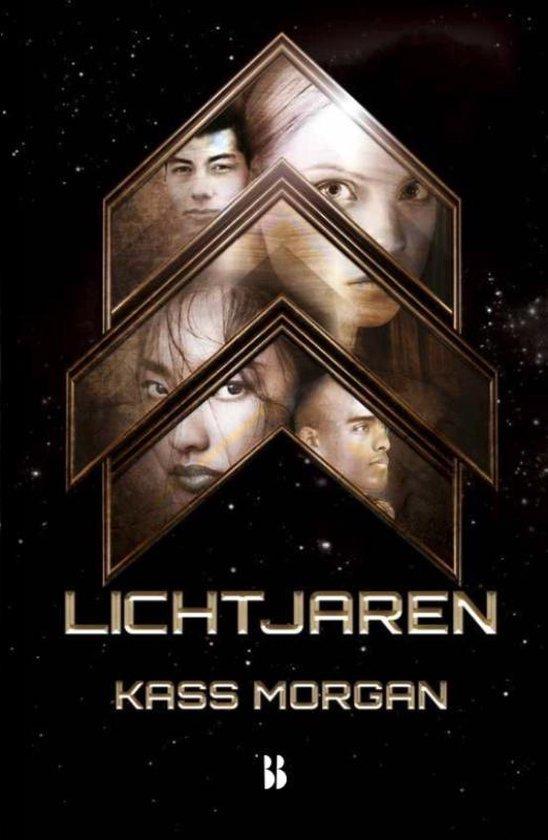 Lichtjaren - Kass Morgan |