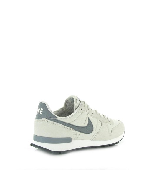 nike internationalist grijs rood