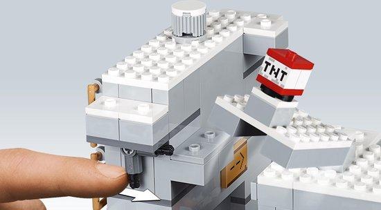 LEGO Minecraft De Grot in de Bergen - 21137