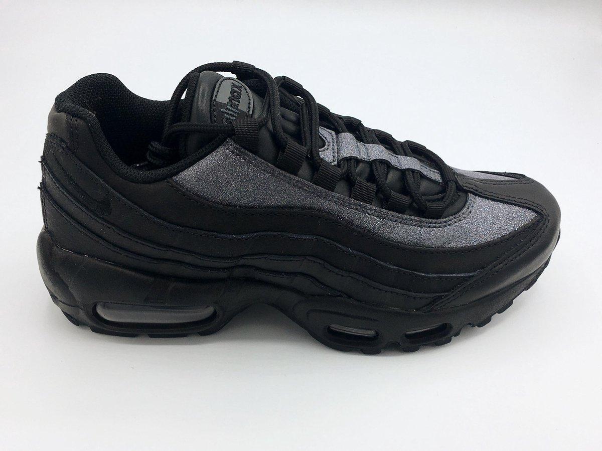 bol.com | Nike Air Max 95 SE sneakers dames - Maat 37.5