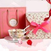 *Valentijn cadeau vrouw* Flowerfrinzy Bone China  kop en schotel Awa pink in cadeauverpakking