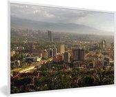 Foto in lijst - Skyline van de stad Almaty in Kazachstan fotolijst wit 60x40 cm - Poster in lijst (Wanddecoratie woonkamer / slaapkamer)