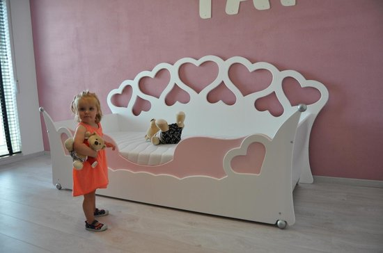 Kinderbed van wildkidzz.com hartjesbed 90x200 cm met polyethermatras 14 cm dik!! ALL-IN aanbieding. - wildkidzz.com